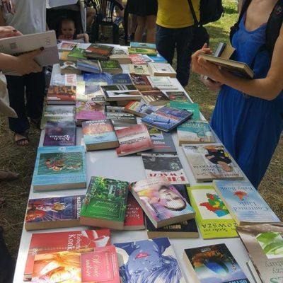 Wymiana książek na Osiedlu Jazdów