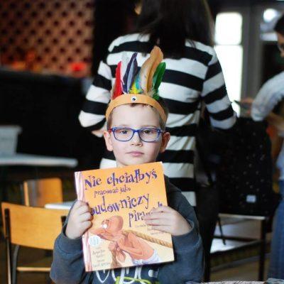 Mikołajkowa wymiana książek i kiermasz książek dziecięcych