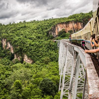 Pociągiem przez Birmę