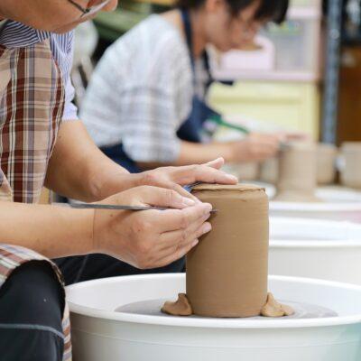 """Warsztaty ceramiczne """"Aktywny i Kreatywny Senior"""""""